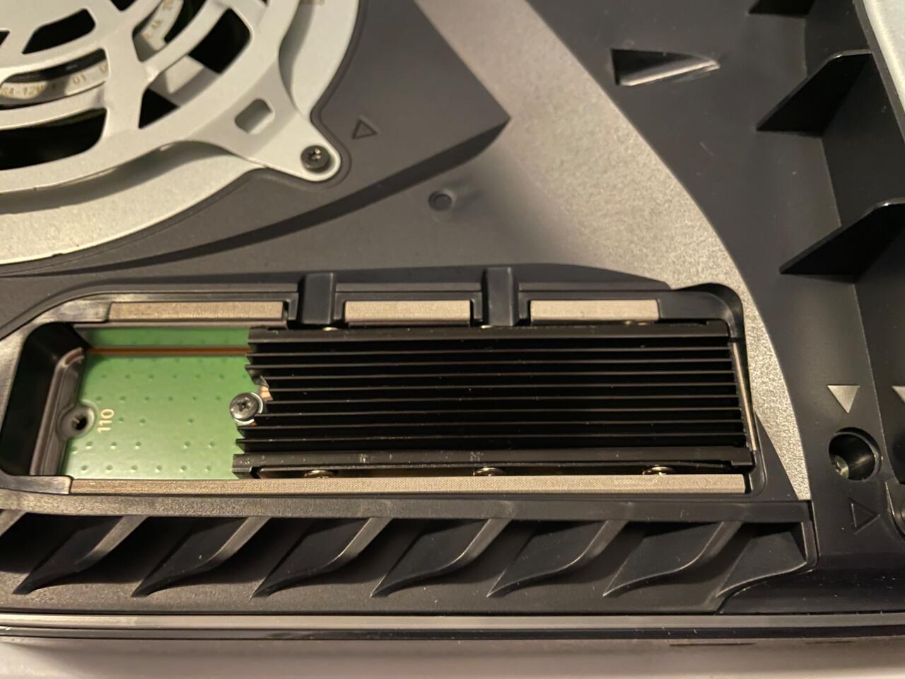 M.2 SSD instalado no PS5